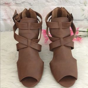 BAMBOO Shoes - Bamboo Caramel Colored Stack Heel Strappy Shoe 7.5
